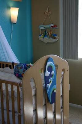 Surfer beach nursery decor themes for Surf nursery ideas