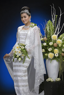Myanmar traditional costumes, Myanmar clothing, Myanmar