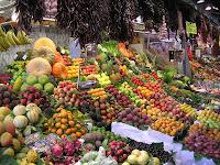 Radio Peão acontece até no meio das frutas e verduras de um supermercado. Você nunca está em paz para dar uma escapada do trabalho.