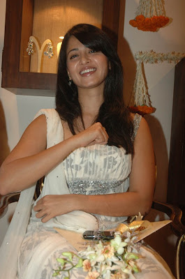 Actress Anushka Hot Photos