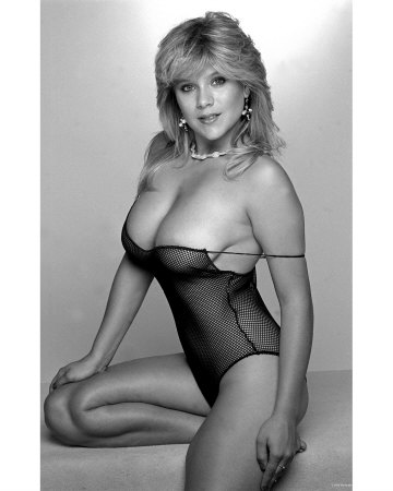 That 39 s a good blog happy birthday samantha fox for Todays best photos