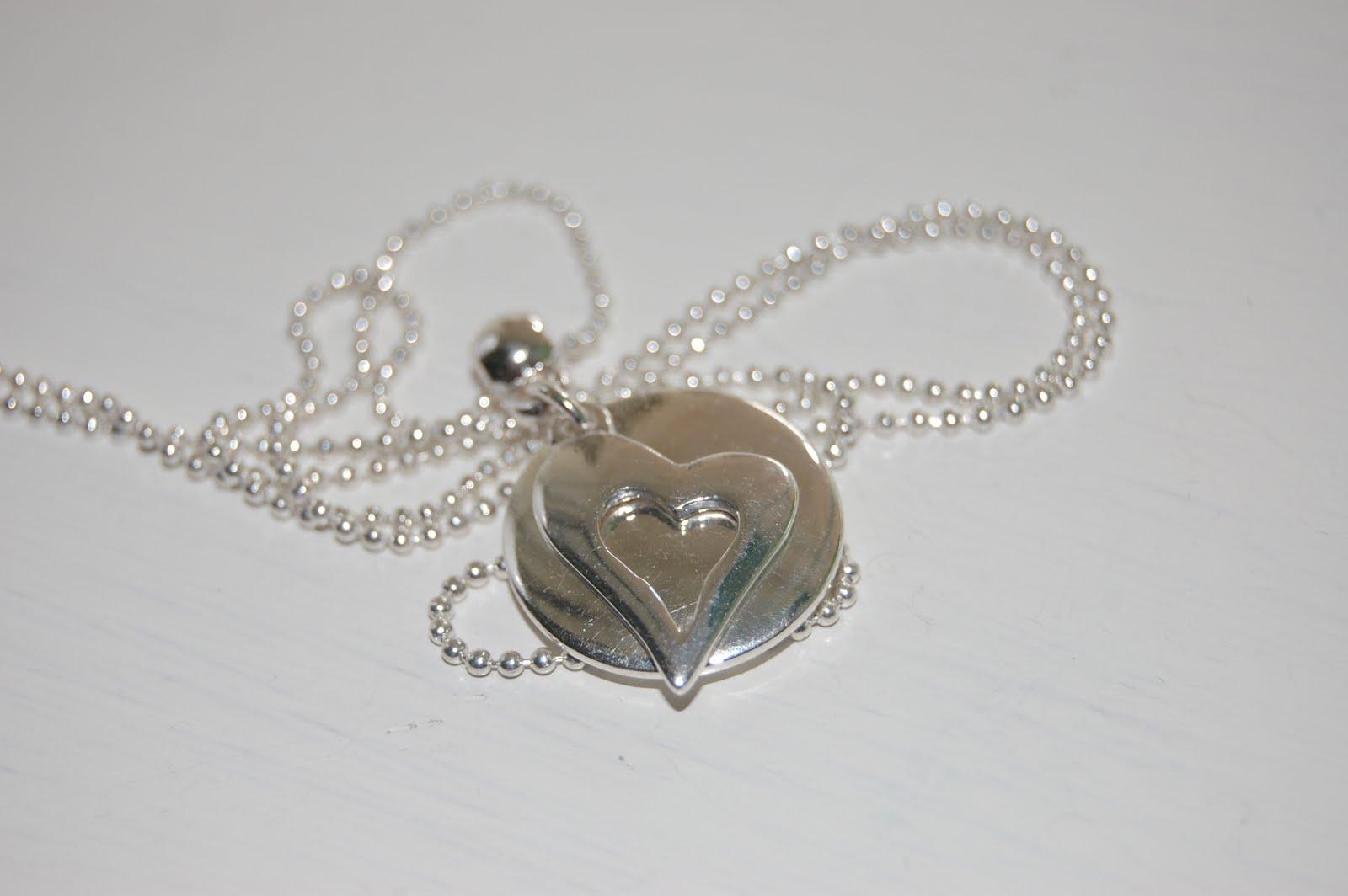 Hjärta och en rund bricka (stansbar)