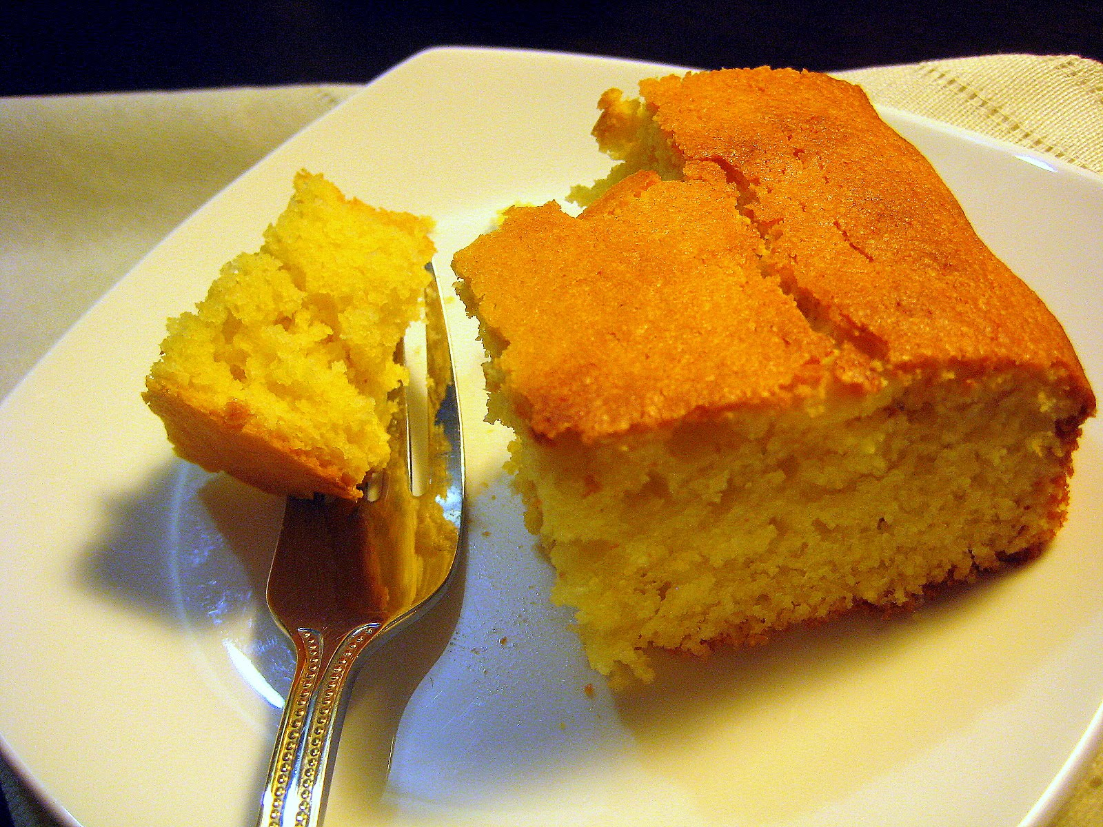 Food Tastes Yummy: EASY ORANGE CORNMEAL CAKE