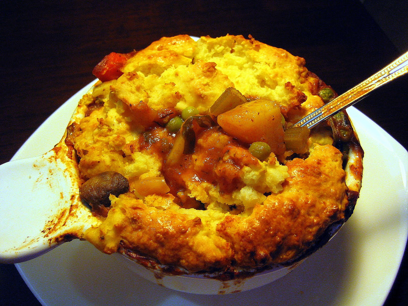 Food Tastes Yummy: BEEF POT PIE WITH A BISCUIT CRUST