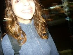 Nunca permitas que nada ni nadie te quite la sonrisa.