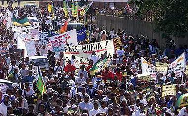 [33-1b.jpg+Manifestation+Durban+2001]