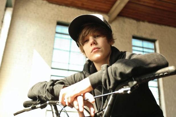 Jyydek Justin Bieber Running Into Glass Door