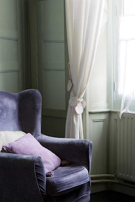 [cortinas+con+alza+paños+con+vieiras+y+butacon+terciopelo+jordi+canosa.jpg]