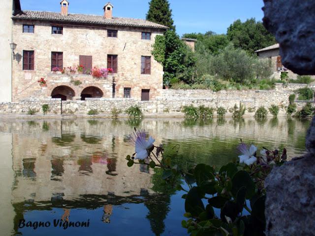 Idee weekend e vacanze il fascino discreto della toscana - Piscina bagno vignoni ...