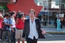 Mathieu Almalric a su llegada a Antofagasta...