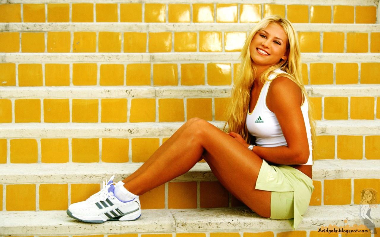 http://2.bp.blogspot.com/_KJjK21WIZcc/TCS5EXV2OqI/AAAAAAAACTU/OGd585SNCEs/s1600/Girls_Anna_Kournikova_015756_.jpg