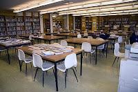 Есть надежда, что старые добрые библиотеки с настоящими бумажными книгами не пропадут при внедрении новых технологий в библиотечное дело