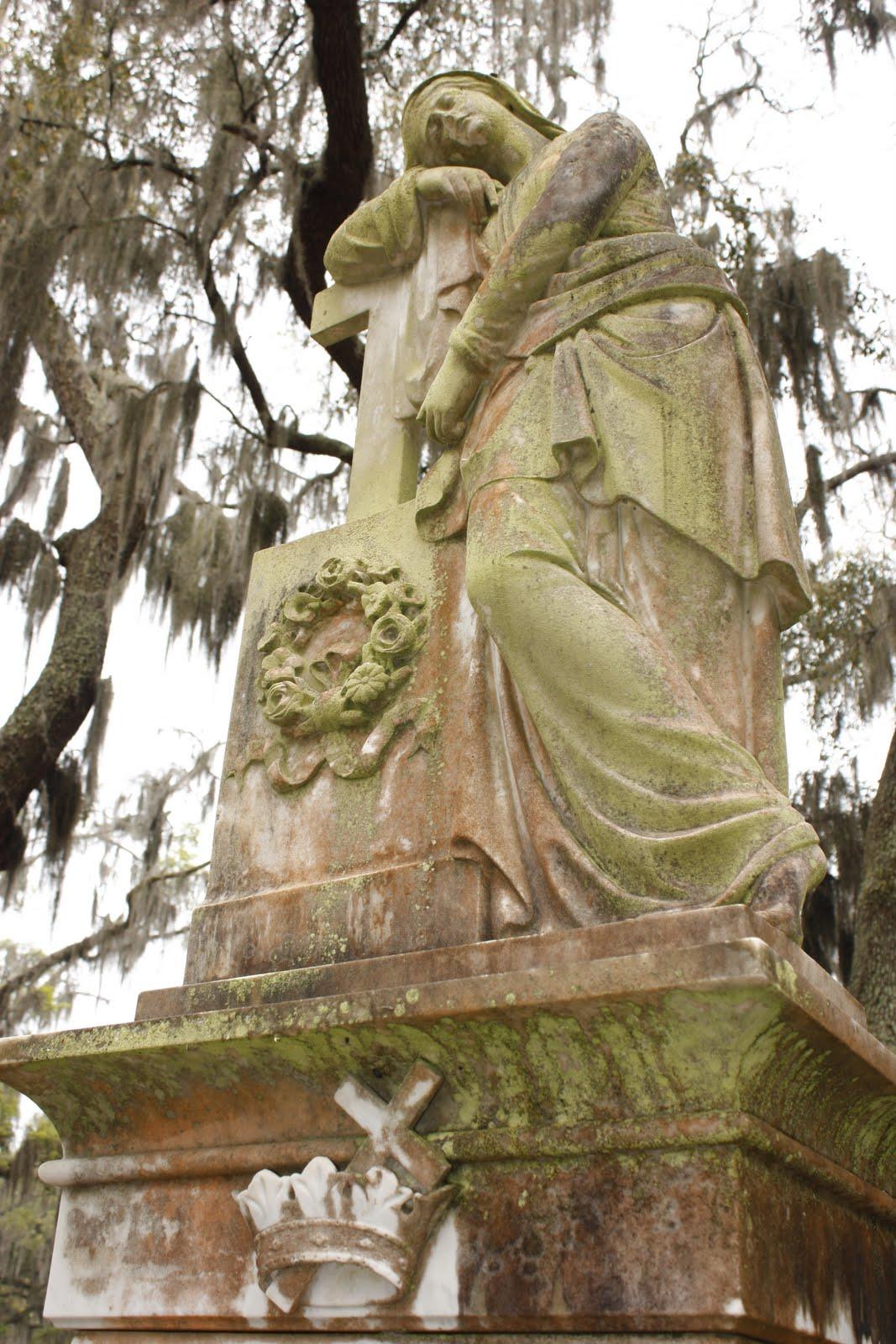 Grave Images: 51 Cemeteries Project: # 44 Bonaventure Cemetery ...
