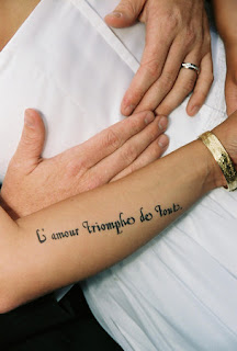 Love Conquers  Italian Tattoo on What A Stunning Picture  Karyn S Tattoo Says  Love Conquers All  She