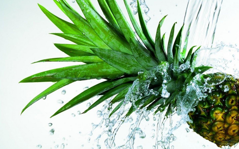 http://2.bp.blogspot.com/_KLJU3hHDGVM/TAyBp4gg4cI/AAAAAAAACQA/boGogvZeeqM/s1600/PineApple_underwater_bubbles_fresh.jpg