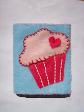 My cupcake needlebook
