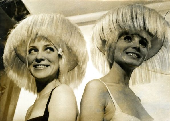 vintage hairstyle, 1968 (via past-to-present.com)