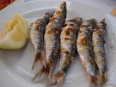La pol mica de las sardinas espetadas de los chiringuitos - Como cocinar sardinas ...