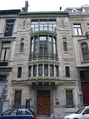 http://2.bp.blogspot.com/_KN-2jQImqk4/TSACSB_OvII/AAAAAAAAAB4/TQx-CX2DDoc/s1600/450px-BE_Bruxelles_Horta_Tassel.JPG