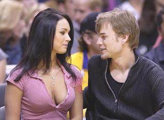 Damn Hot Megan Fox Kissing her Boyfriend