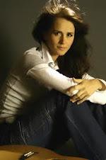 Madalina Manole (Angel en cielo) ARTISTA CANTANTE.