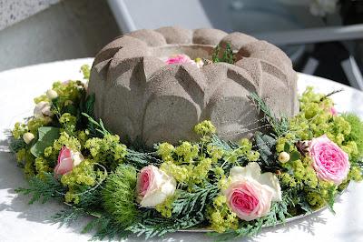 Sunday roses zur silberhochzeit - Silberhochzeit deko garten ...