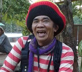 Mbah Surip tak gendong kemana mana, ijo royo royo singer fenomenal indonesia traditional