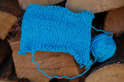 Kingfisher blue cotton yarn swatch