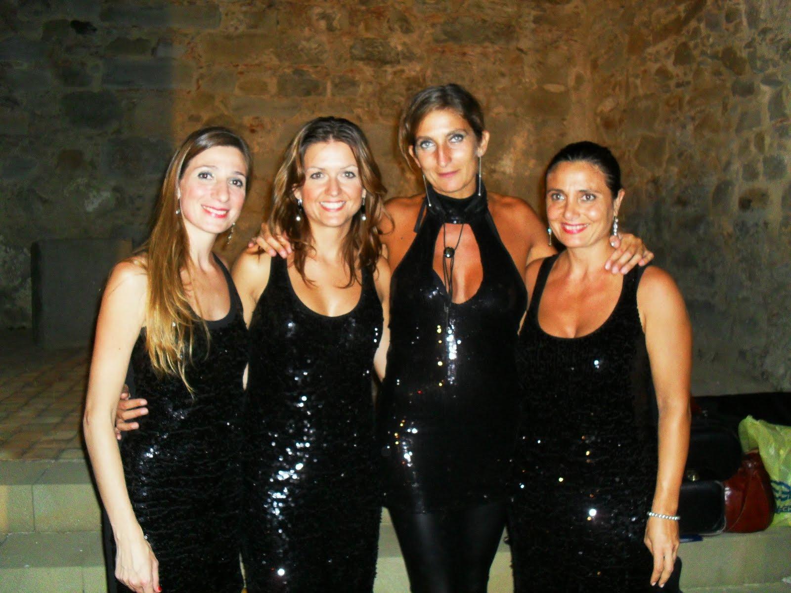 http://2.bp.blogspot.com/_KSQ-yRQAp_c/TG_TefcTUBI/AAAAAAAAAH4/n6P0dsx-bBo/s1600/Divas.JPG