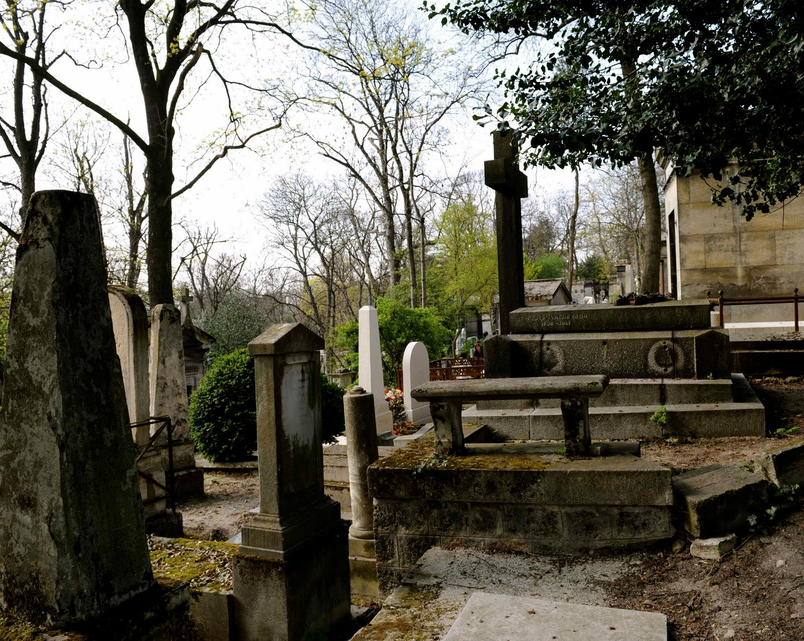 the storyteller my travel book a walk around le p 232 re lachaise