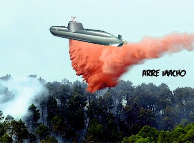 Submarino apaga incêndio