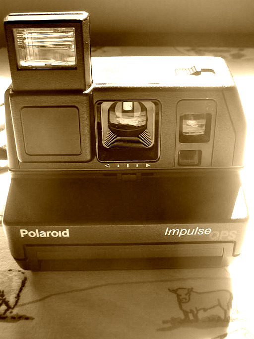 polaroid impulse qps instant film camera