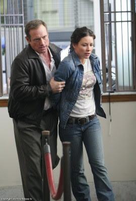 Kate Lost Evangeline Lilly handcuffs