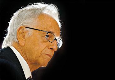 Ex-presidente Itamar Franco morre aos 81 anos