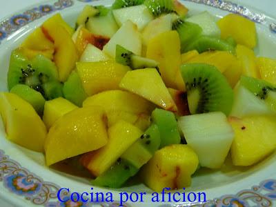 http://2.bp.blogspot.com/_KVUd709Di8s/Sm63ARW4EmI/AAAAAAAABYo/ECrAGo-12Ss/s1600-h/Ensalada+de+fruta+variada.jpg