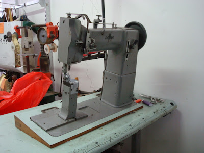 Calzoleria a d i macchinari del calzolaio for Macchine da cucire usate