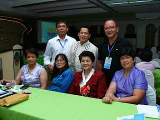 With the bigwigs of nursing research: Dr. Rusty Francisco, Dean Grace Lacanaria, Dean Thelma Tingda, Prof. FJ Babate, Prof. Edgar Pangue, Prof. Caster Palaganas.