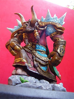 statuette world of warcraft tauren action figures personalizzate orme magiche scultori modellismo