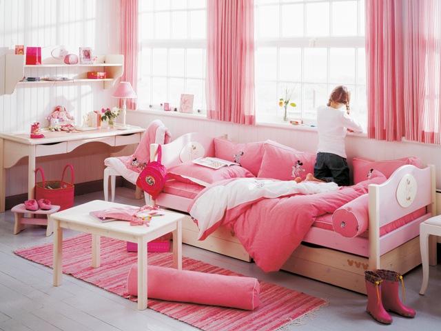 Amplio dormitorio en color rosa y blanco para ni as - Dormitorios en color blanco ...