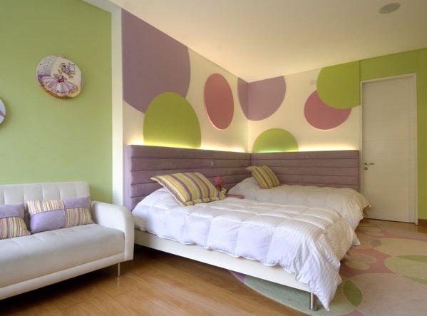 EL DORMITORIO PARA LAS NIÑAS Y ADOLESCENTES verde manzana lila morado por Karim Chaman