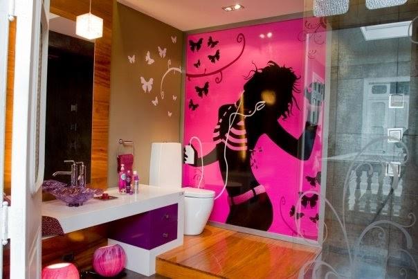Diseño de baño fucsia para jovensitas con mariposas | Diseños de Baños