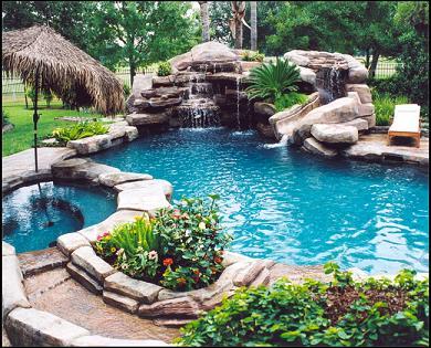 Piscinas con cascada artificial y caidas de agua for Piscinas pequenas con cascadas