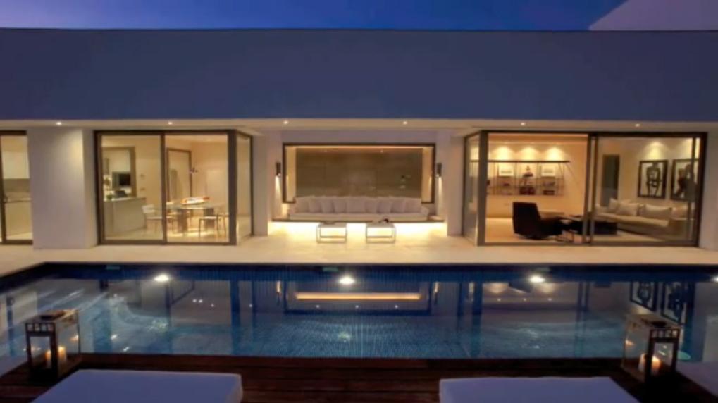 Casa estilo zen en marbella fachadas de casas y casas for Casa de los azulejos por dentro