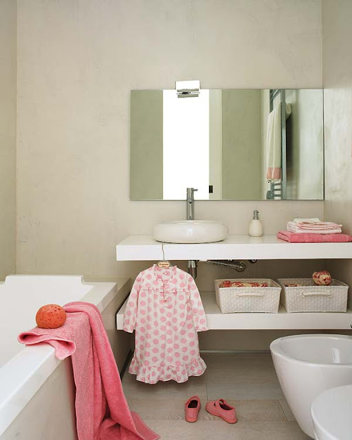 Imagenes De Baño En Cama:Girls Bathroom Idea