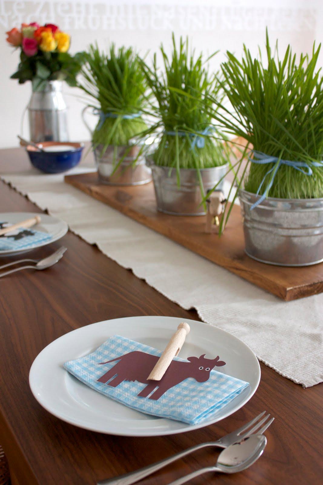 raumdinge almengl ck auf dem geburtstagstisch. Black Bedroom Furniture Sets. Home Design Ideas