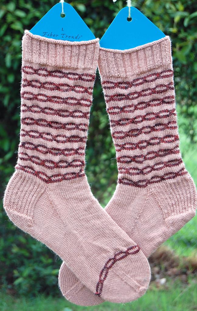 [finished+chainlink+socks+]