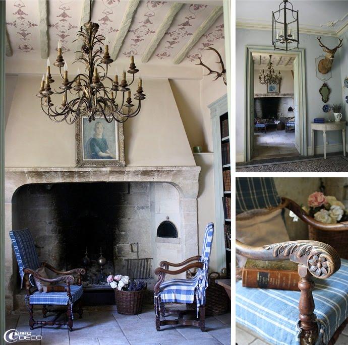 La petite bibliothèque du château de Christin, maison d'hôtes de prestige dans le Gard