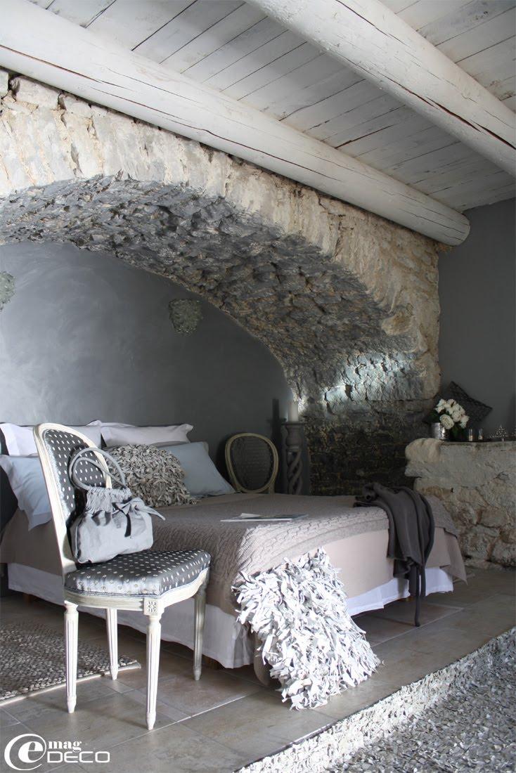 Sous l'arche de la chambre Cristal