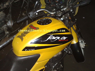Pulsar 150 Modified http://chennaibikers.blogspot.com/2009/01/pulsar-150cc-modified.html