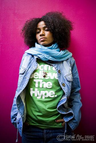 Nneka - Cantora nigeriana em uma viagem de reggae, rap, jazz, funk, trip hop, soul
